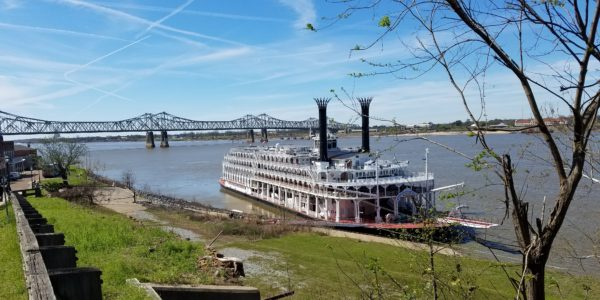 Natchez-AmericanQueenRiverboat